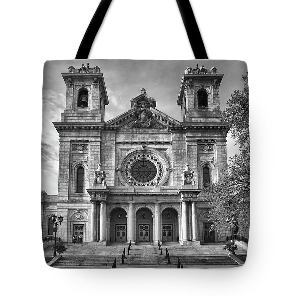 Buildings Tote Bag featuring the photograph Regal by Guy Whiteley