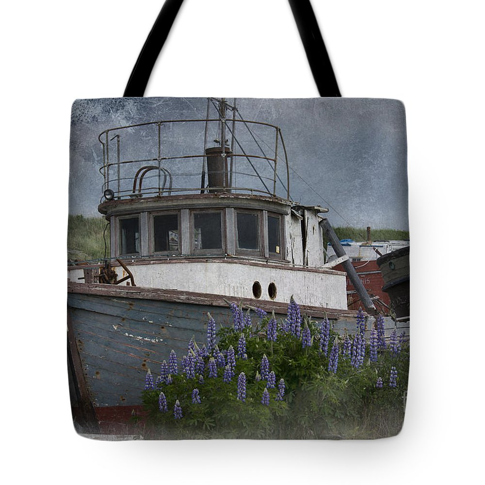 Boat Tote Bag featuring the photograph Retired Boat by David Arment