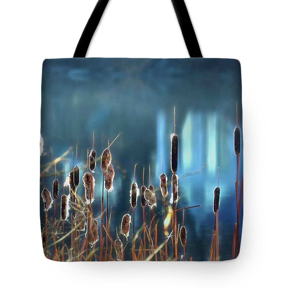 Cattails Tote Bag featuring the photograph Rhapsody In Blue by Cindy Greenstein