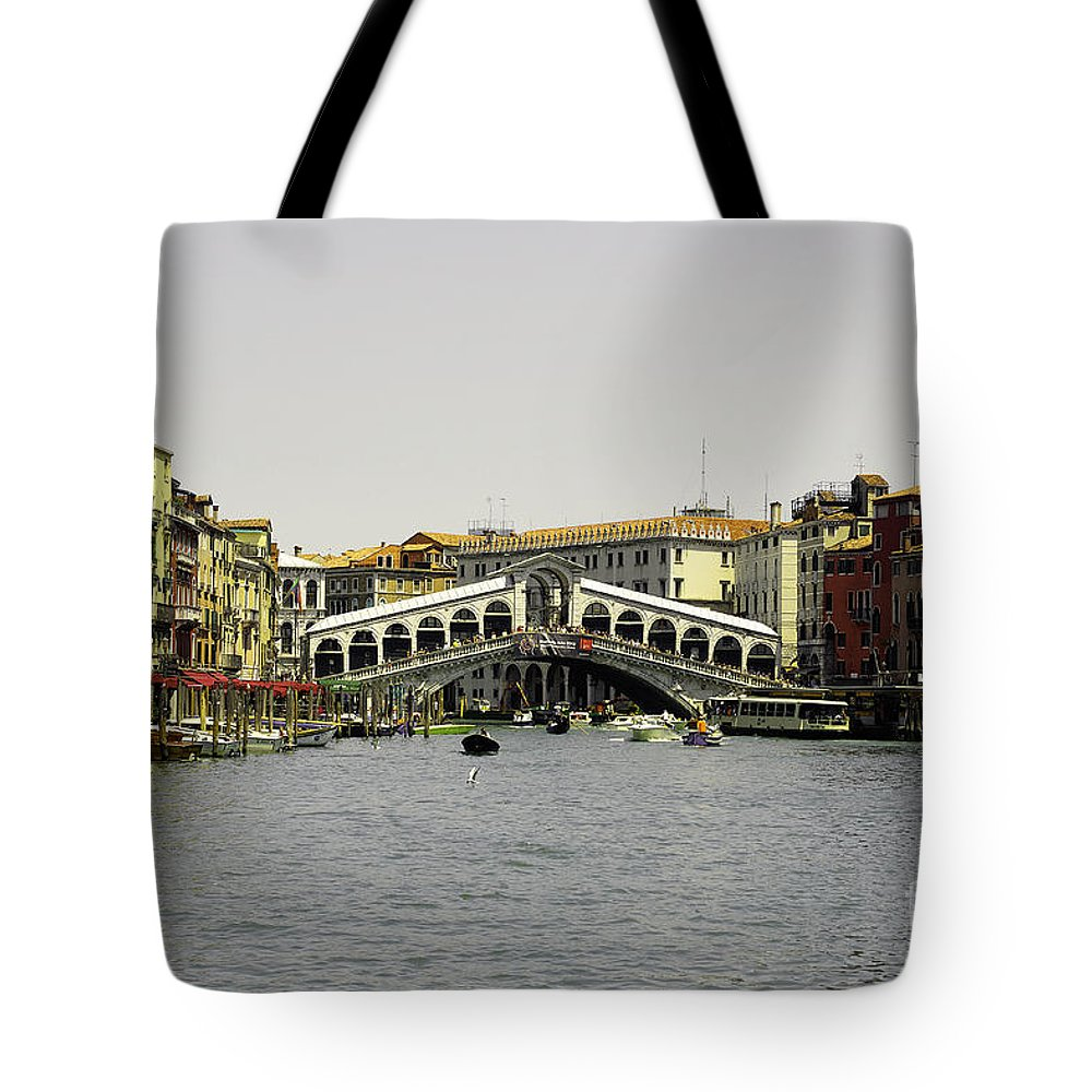 Rialto Tote Bag featuring the photograph Rialto Bridge Venice by Rob Hawkins