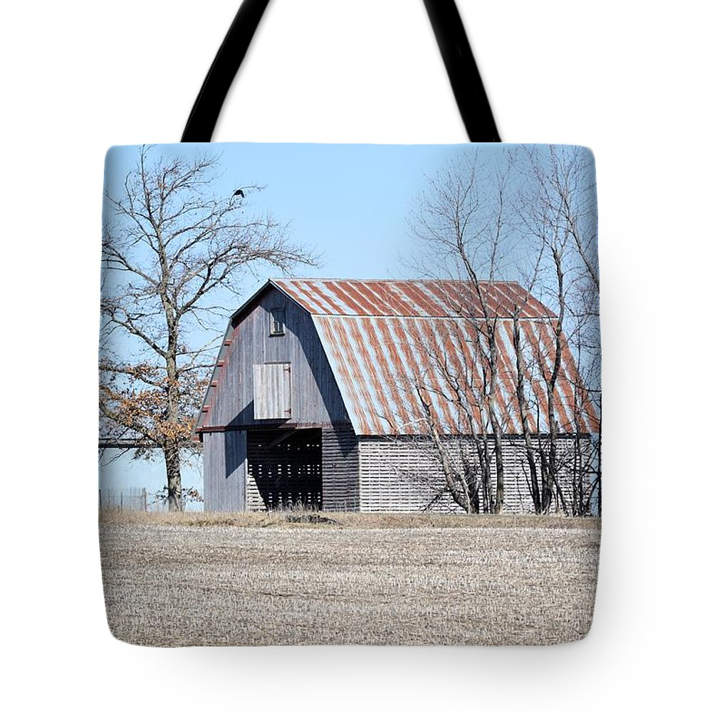 Corn Crib Tote Bag featuring the photograph Ribbon Roof Crib by Bonfire Photography