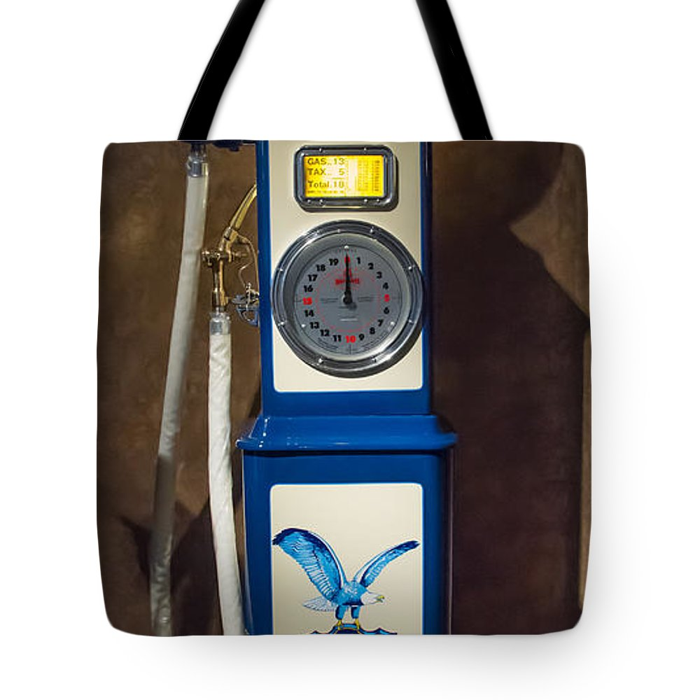 Richfield Oil Gas Pump Tote Bag featuring the photograph Richfield Gas Pump by Roger Mullenhour