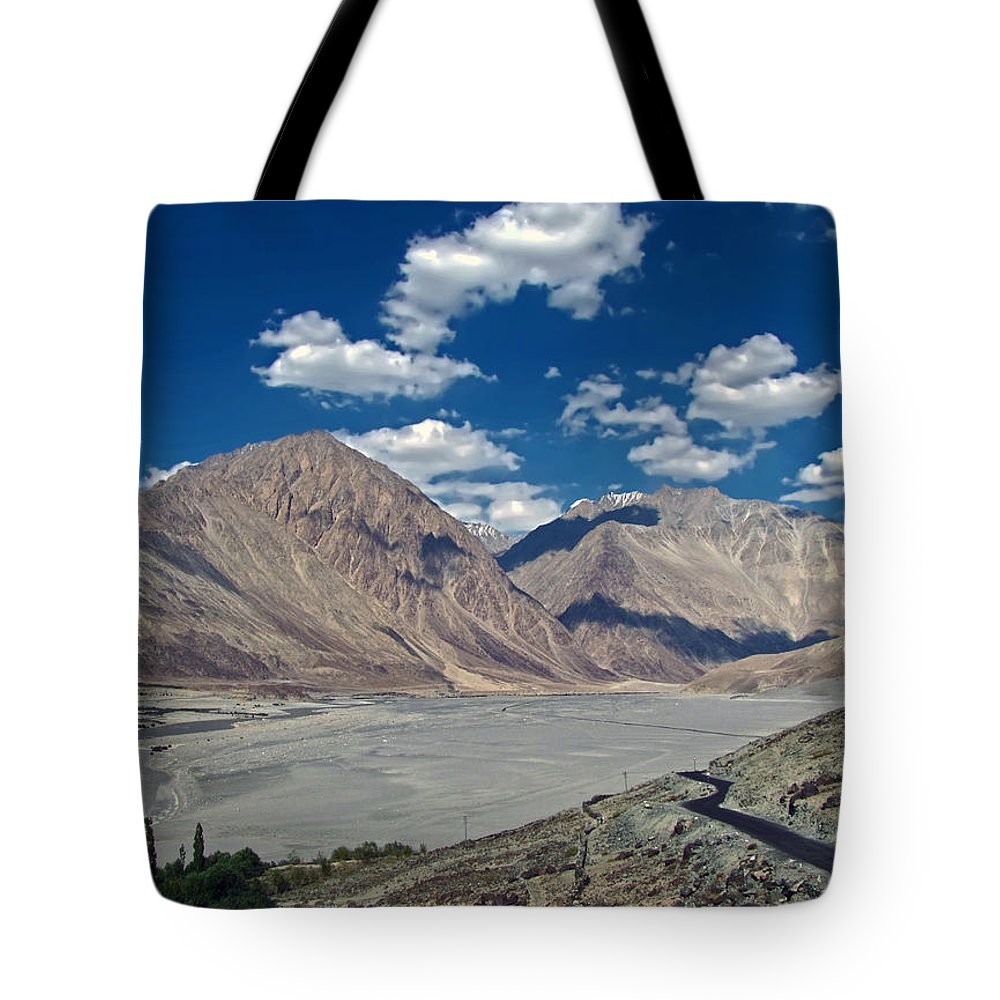 Nubra Tote Bag featuring the photograph Road To Nubra Valley by Lalam Mandavkar