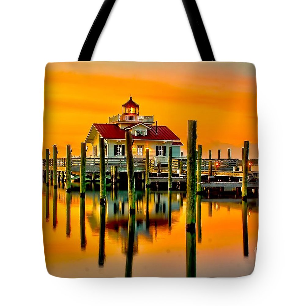 Lighthouse Tote Bag featuring the photograph Roanoke Lighthouse Dawn by Nick Zelinsky