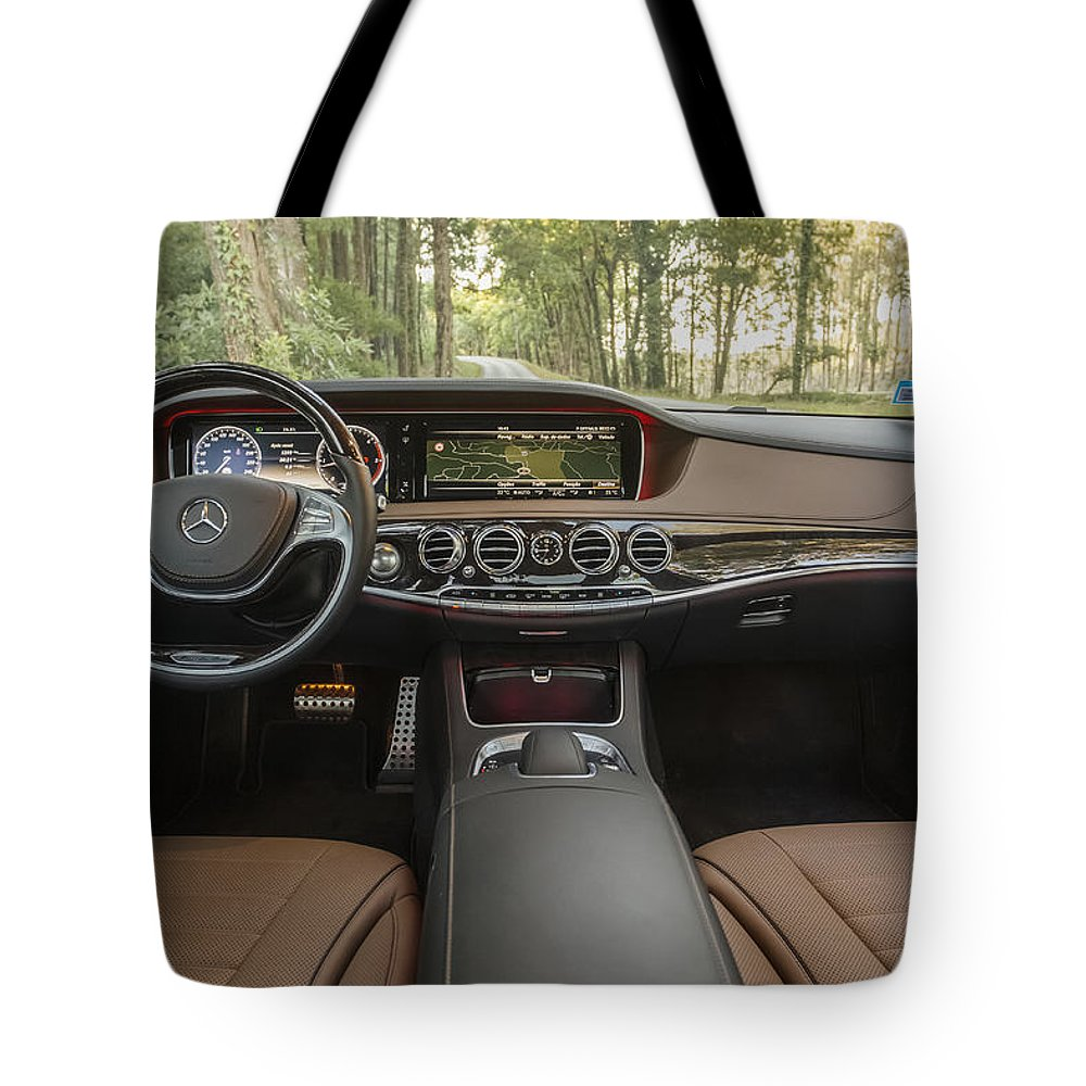 Car Tote Bag featuring the photograph Room With A View by Jose Bispo