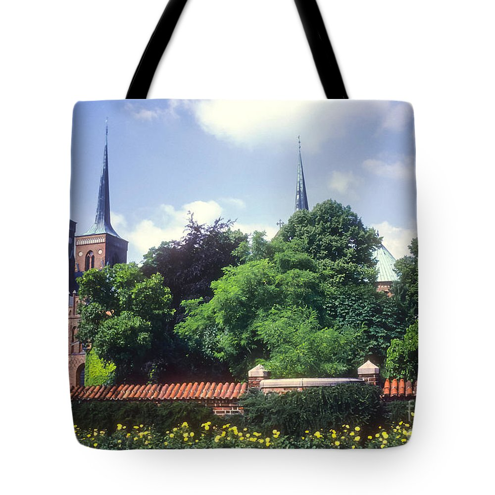 Roskilde Cathedral Catedral Denmark Cathedrals Church Churches Structure Structures Building Buildings Architecture Place Places Of Worship Tote Bag featuring the photograph Roskilde Cathedral by Bob Phillips