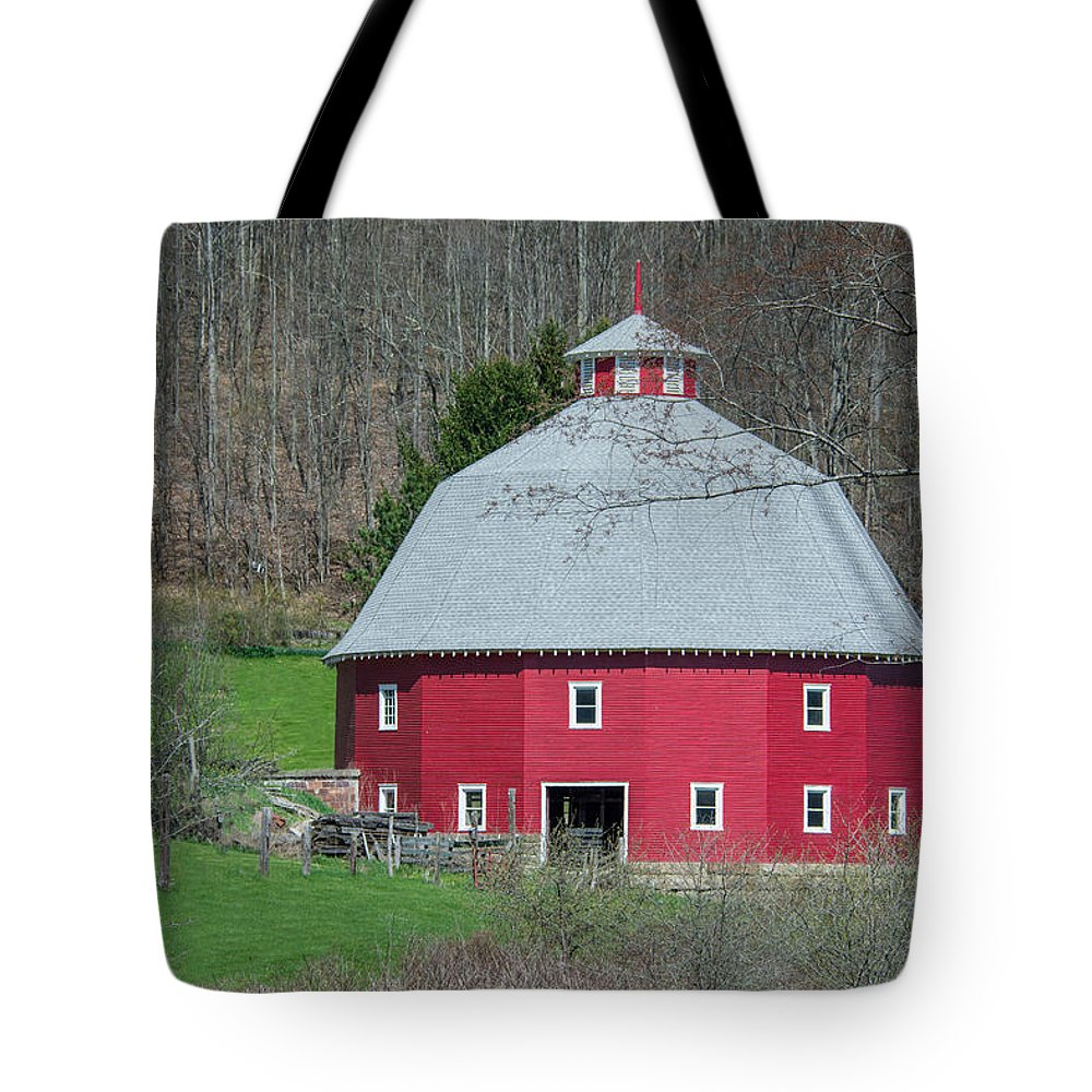16-sided Barn Tote Bag featuring the photograph Round Barn by Guy Whiteley