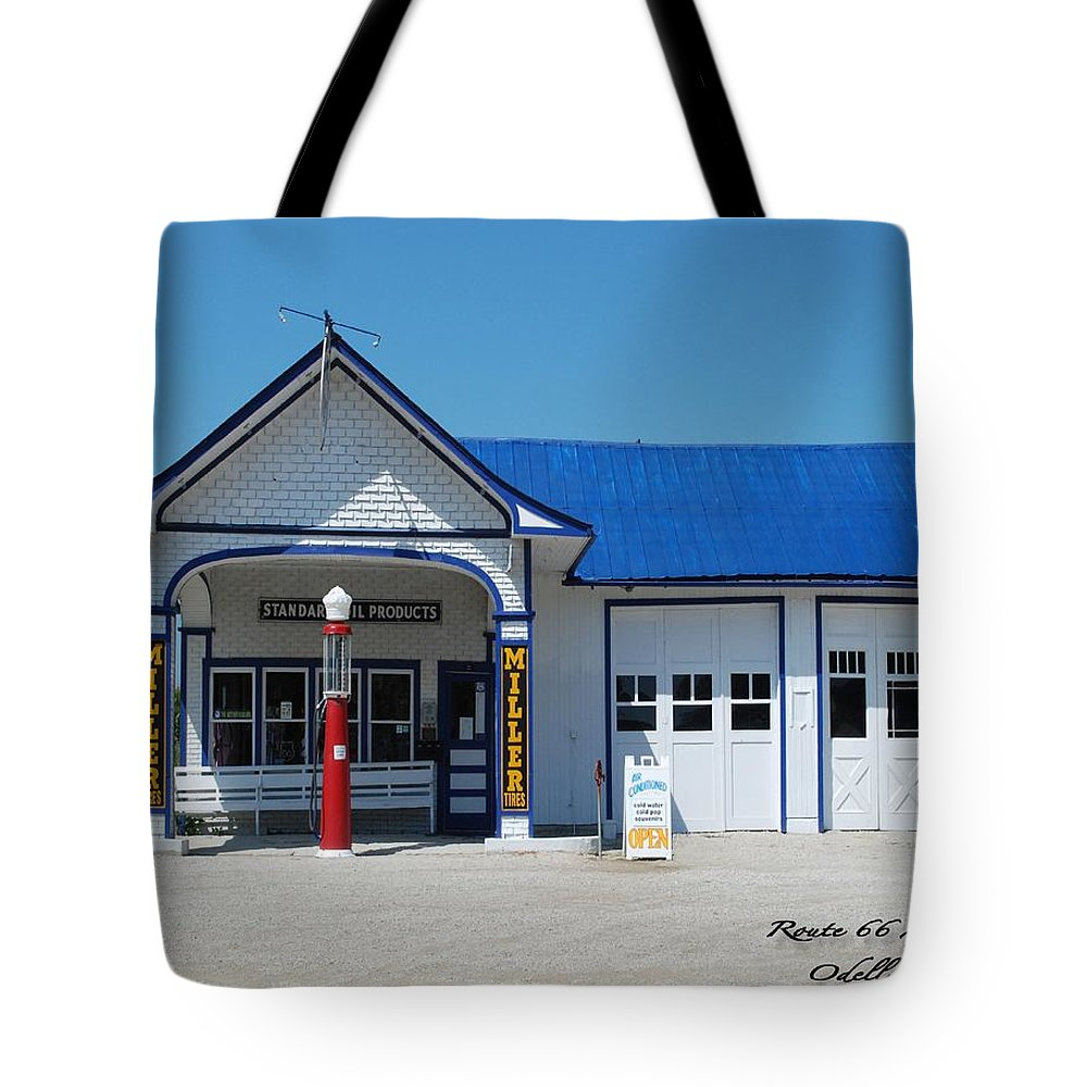 Route 66 Odell Il Gas Station Tote Bag featuring the photograph Route 66 Odell Il Gas Station 01 by Thomas Woolworth