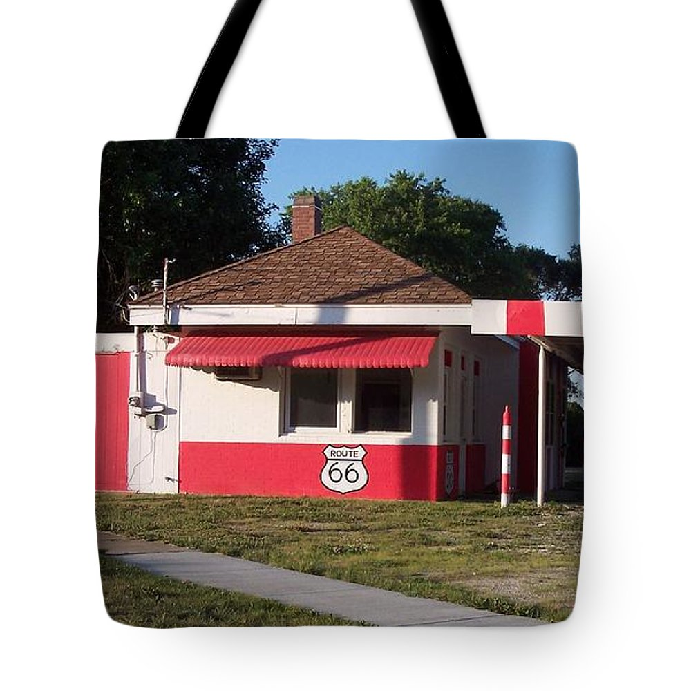 Dwight Tote Bag featuring the photograph Rt 66 Dwight Il Food Stop by Thomas Woolworth