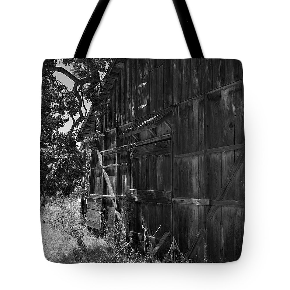 Rustic Tote Bag featuring the photograph Rustic Shed 6 by Richard J Cassato
