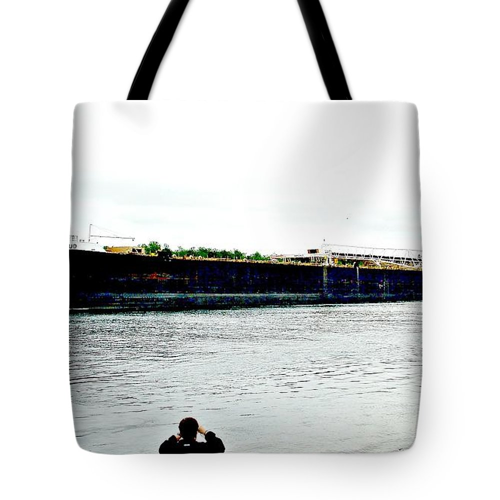 Sam Laud Tote Bag featuring the photograph Sam Laud by Tom Geiger