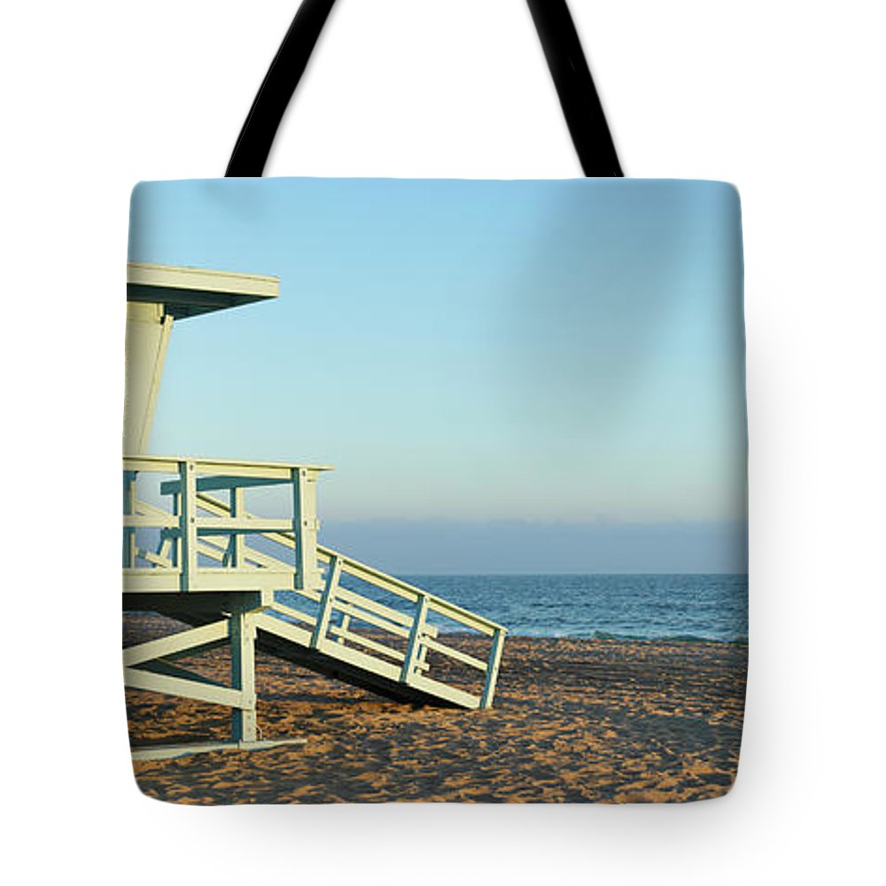 Water's Edge Tote Bag featuring the photograph Santa Monica Lifeguard Station by S. Greg Panosian