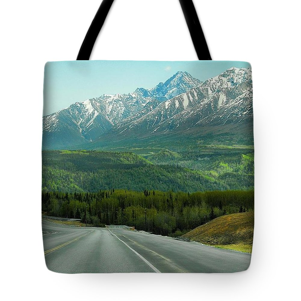 Alaska Tote Bag featuring the photograph Scenic Drive On The Glenn Highway by Dyle  Warren
