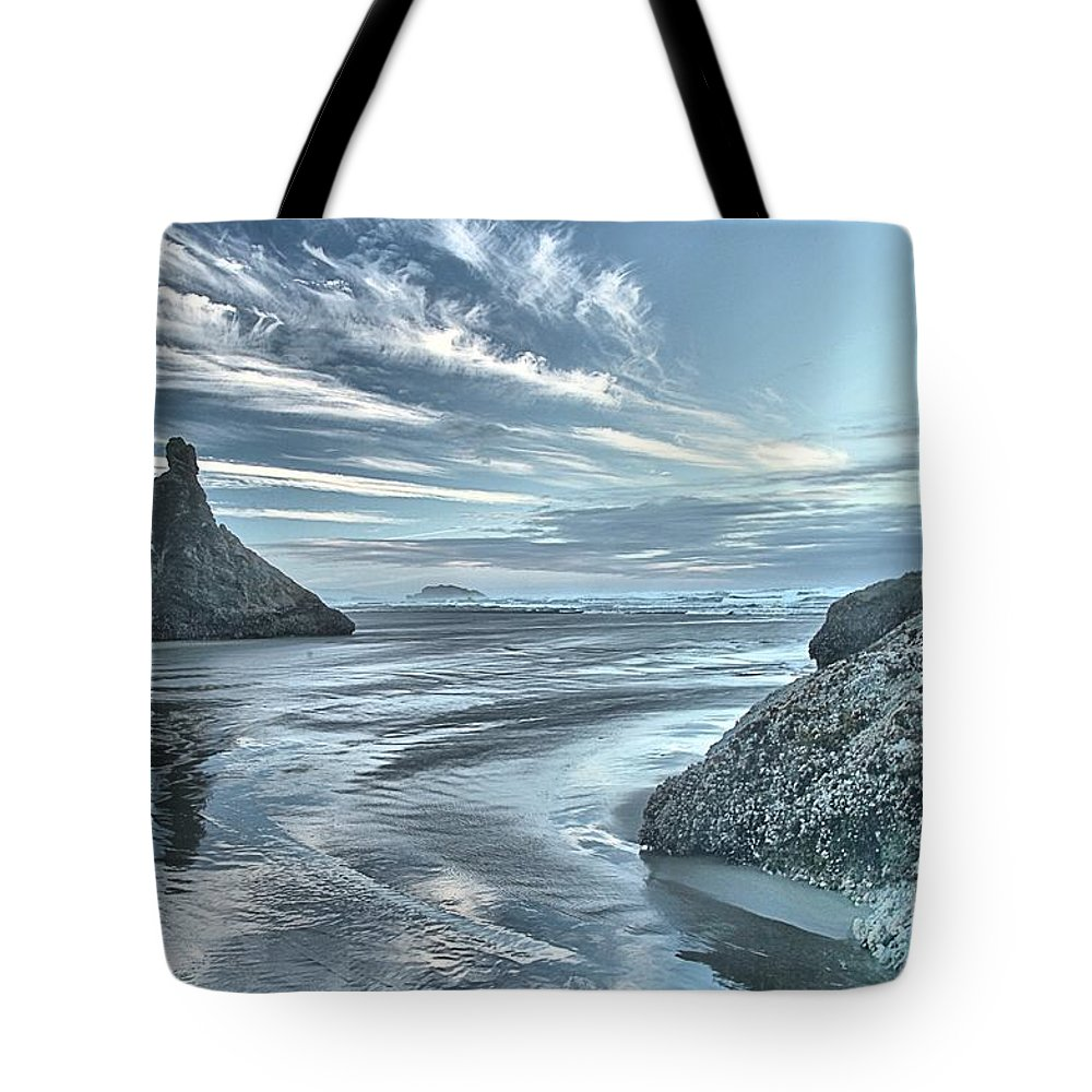 Bandon Beach Tote Bag featuring the photograph Sculptures On The Shore by Adam Jewell