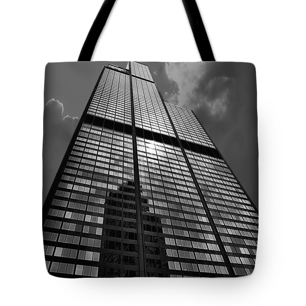 Cities Tote Bag featuring the photograph Sears Willis Tower Black And White 02 by Thomas Woolworth