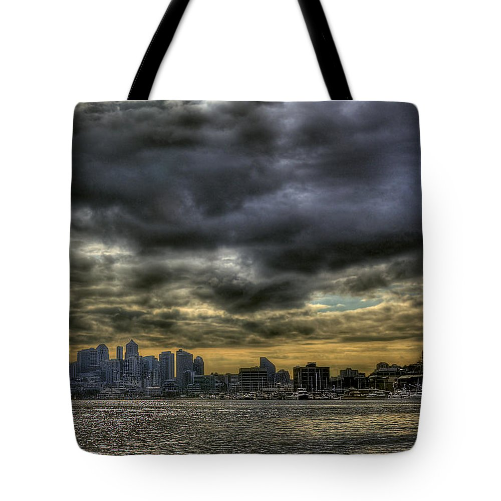 Seattle Skyline Tote Bag featuring the photograph Seattle Skyline by David Patterson