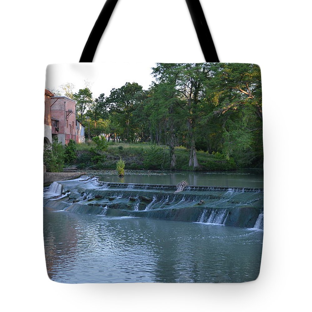Architectur Tote Bag featuring the photograph Seguin Tx 02 by Shawn Marlow