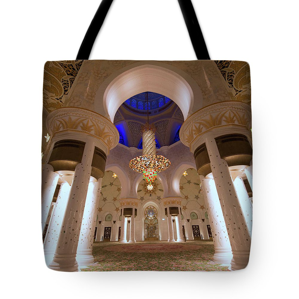 Arch Tote Bag featuring the photograph Sheikh Zayed Grand Mosque by Dany Eid Photography