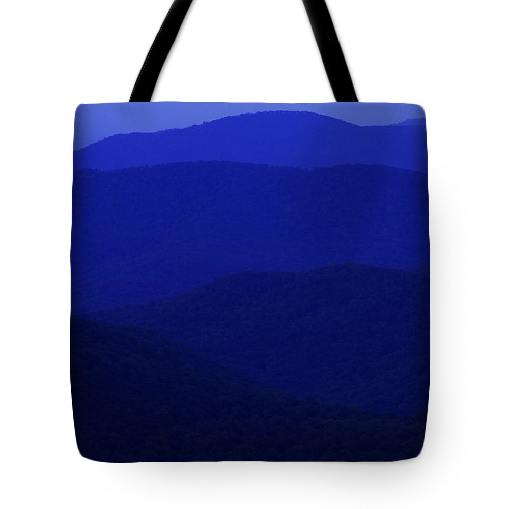 Blue Ridge Tote Bag featuring the photograph Shenandoah Mountain Sunrise by Guy Shultz