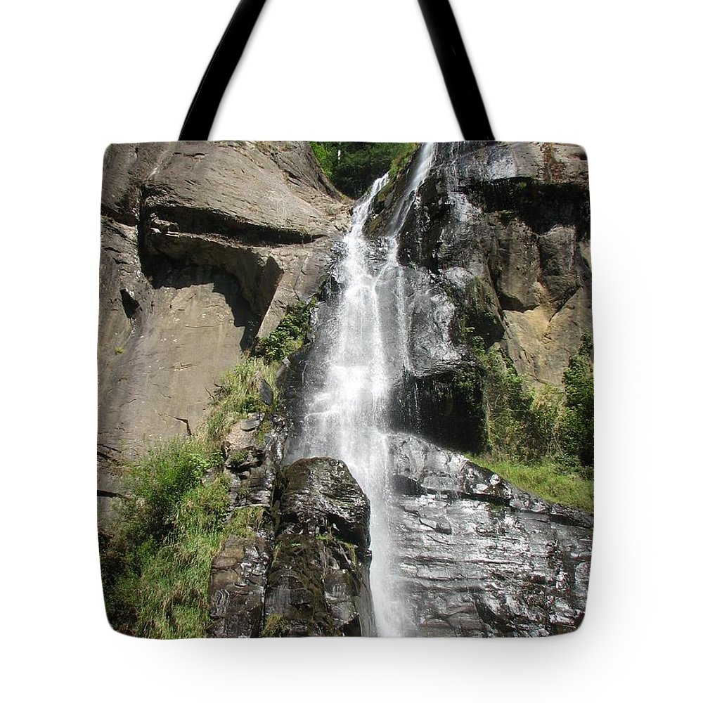 Water Tote Bag featuring the photograph Silver Falls IIi by Teri Schuster