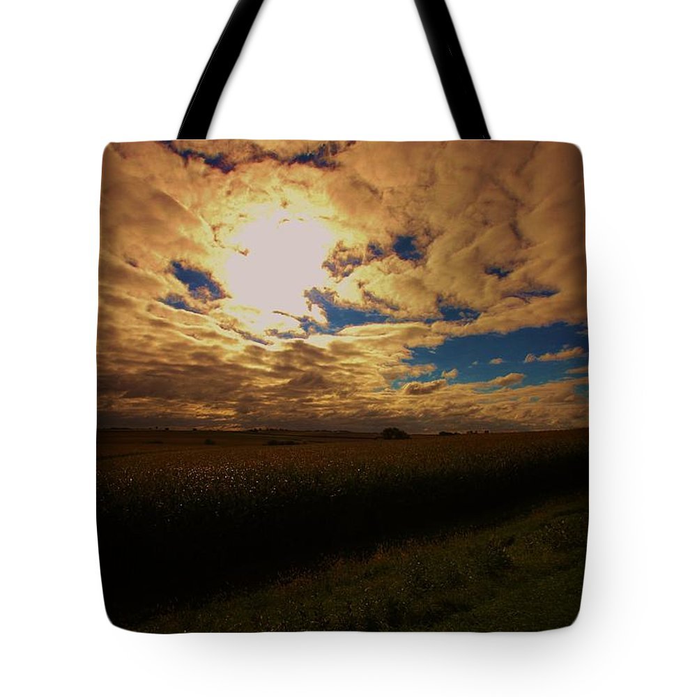 Landscape Tote Bag featuring the photograph Farmland Sky by Dan Young