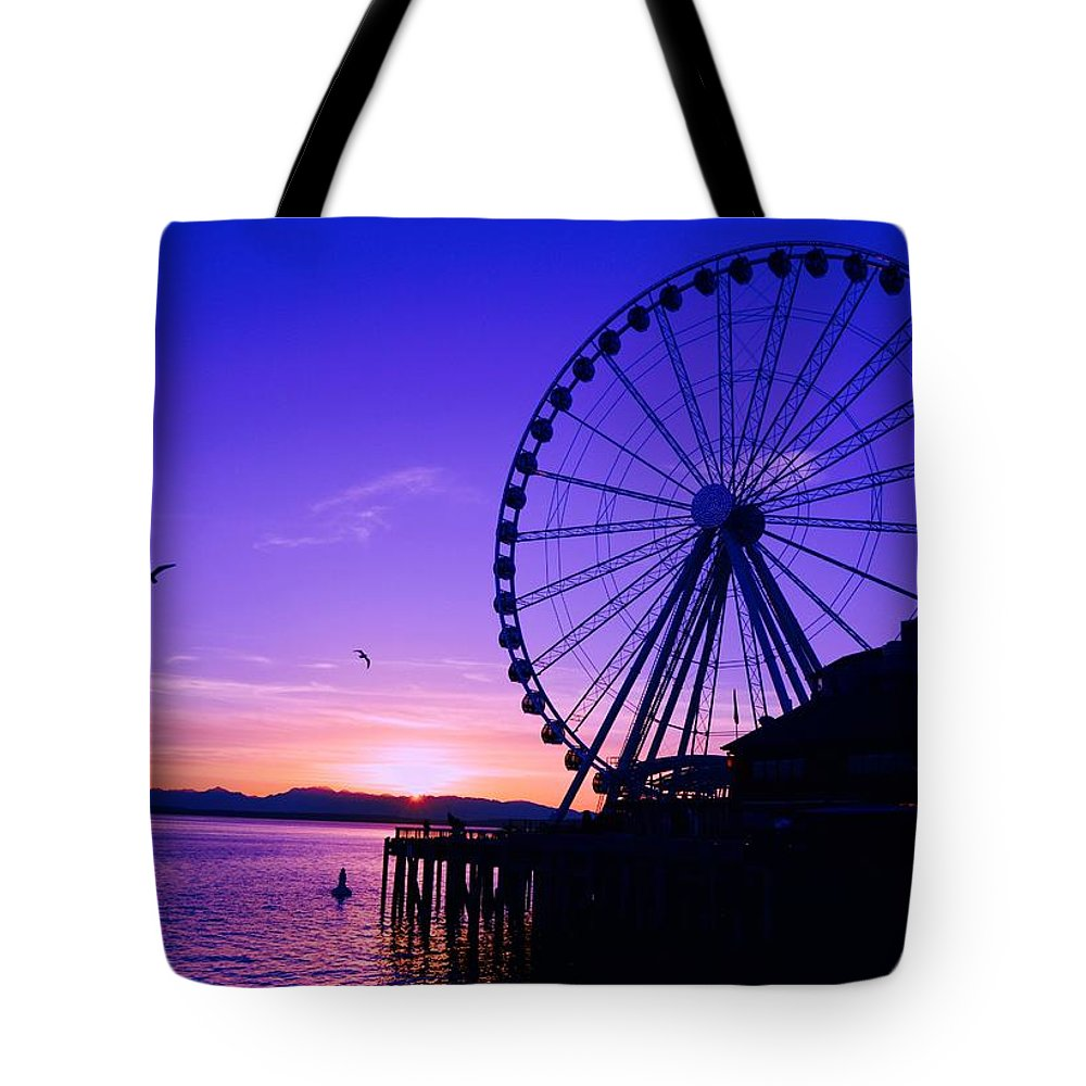 Ferris Wheel Tote Bag featuring the photograph Sky Wheel by Sue Small