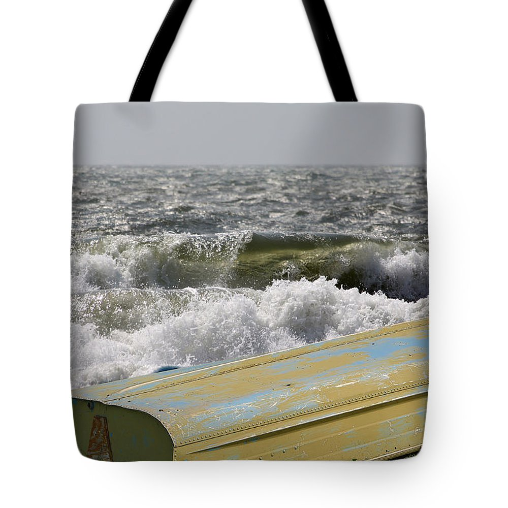 Boat Tote Bag featuring the photograph Small Boat by Melvin Busch