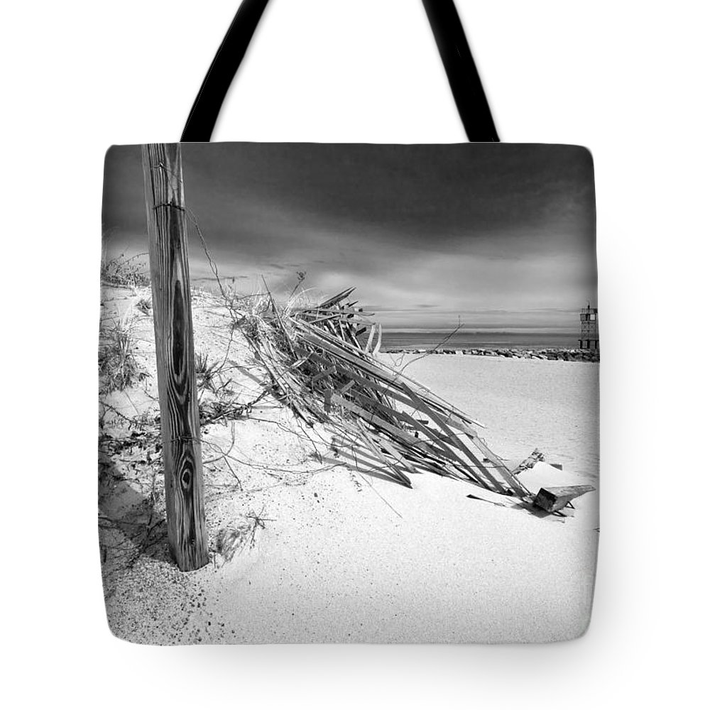 Smugglers Beach Tote Bag featuring the photograph Smugglers Beach by Michelle Constantine