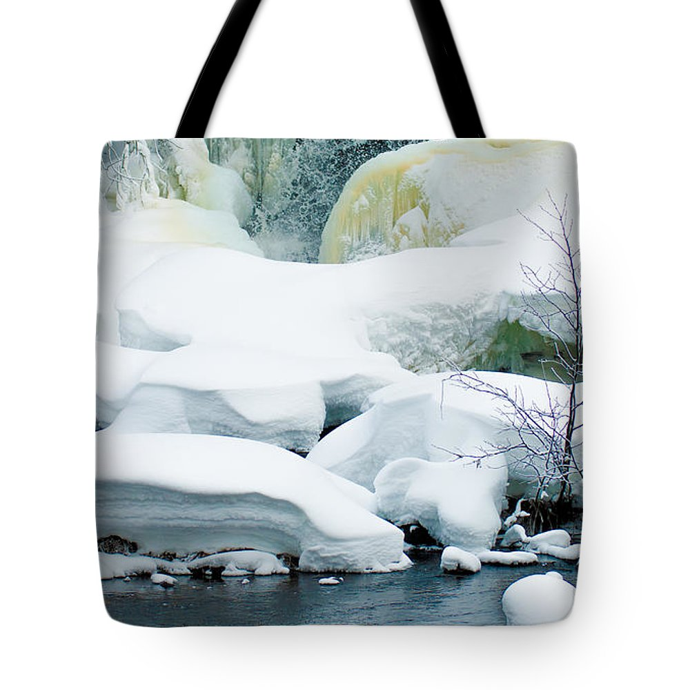 Optical Playground By Mp Ray Tote Bag featuring the photograph Snow Formations by Optical Playground By MP Ray