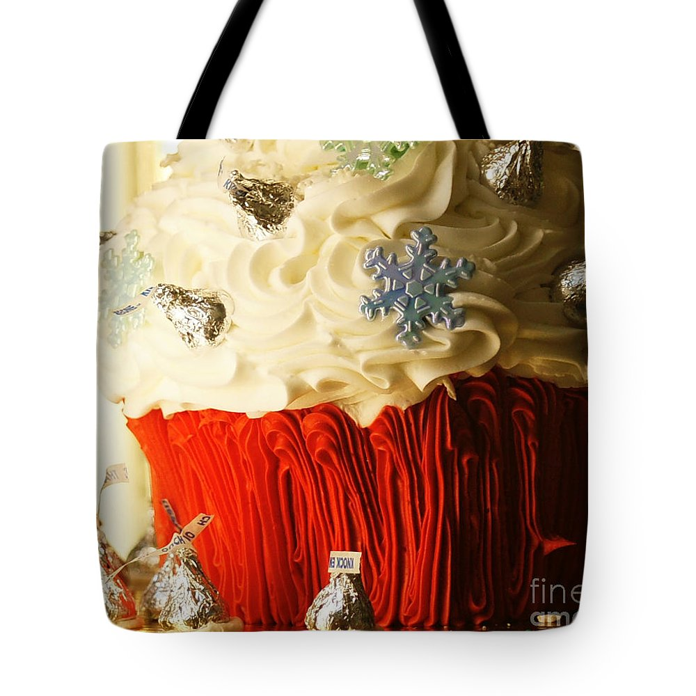 Cake Tote Bag featuring the photograph Snowflake Kisses by Linda Shafer
