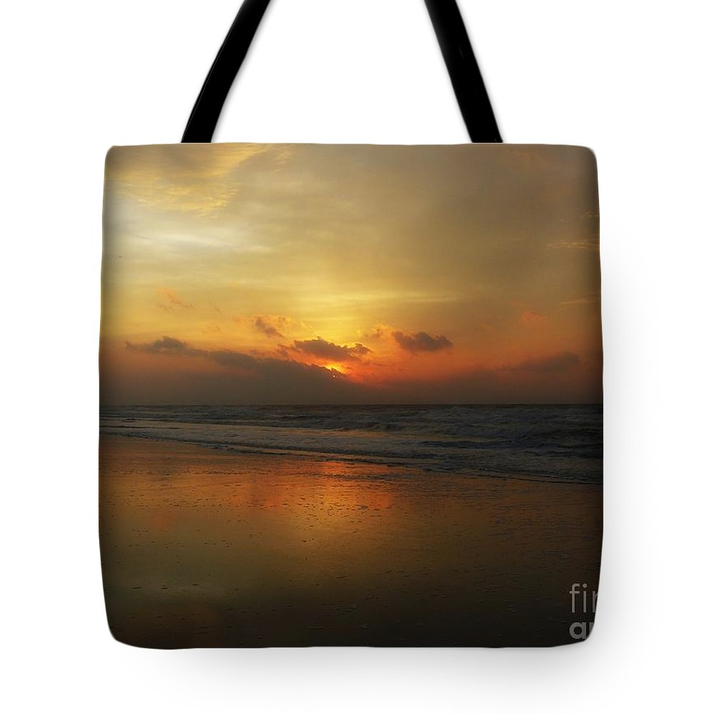 Sunrise Tote Bag featuring the photograph Time For Reflection by Jeff Breiman