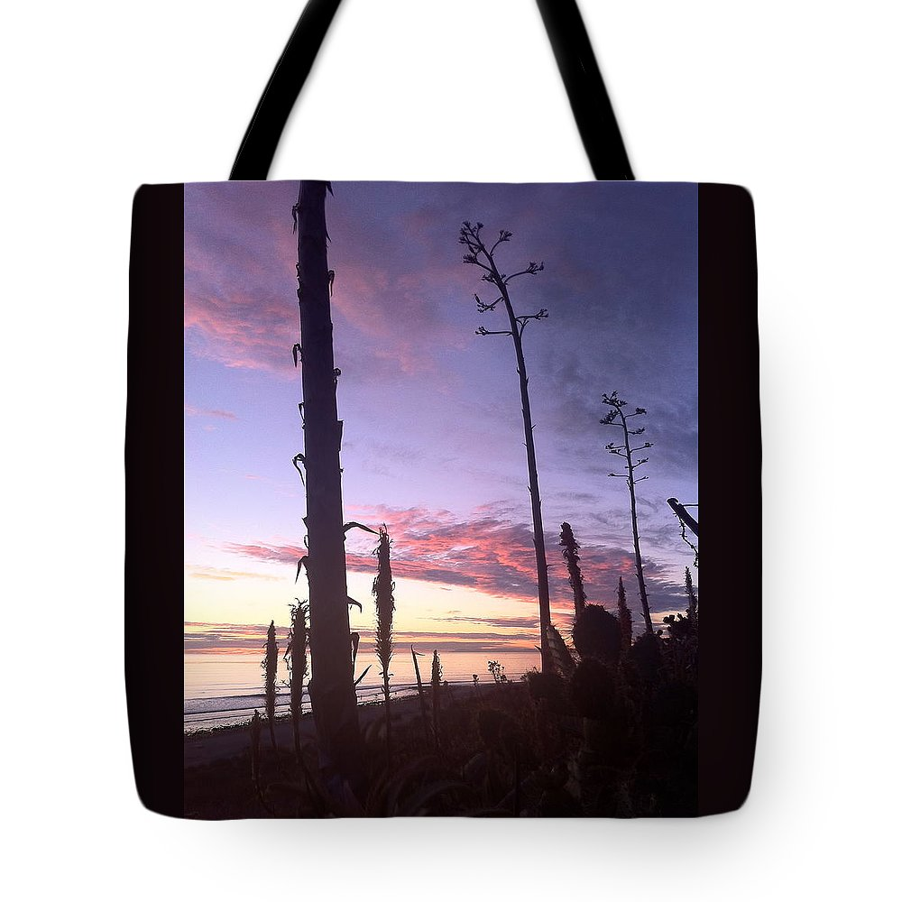 Socalsunsetprint Tote Bag featuring the photograph Socal Sunset by Paul Carter