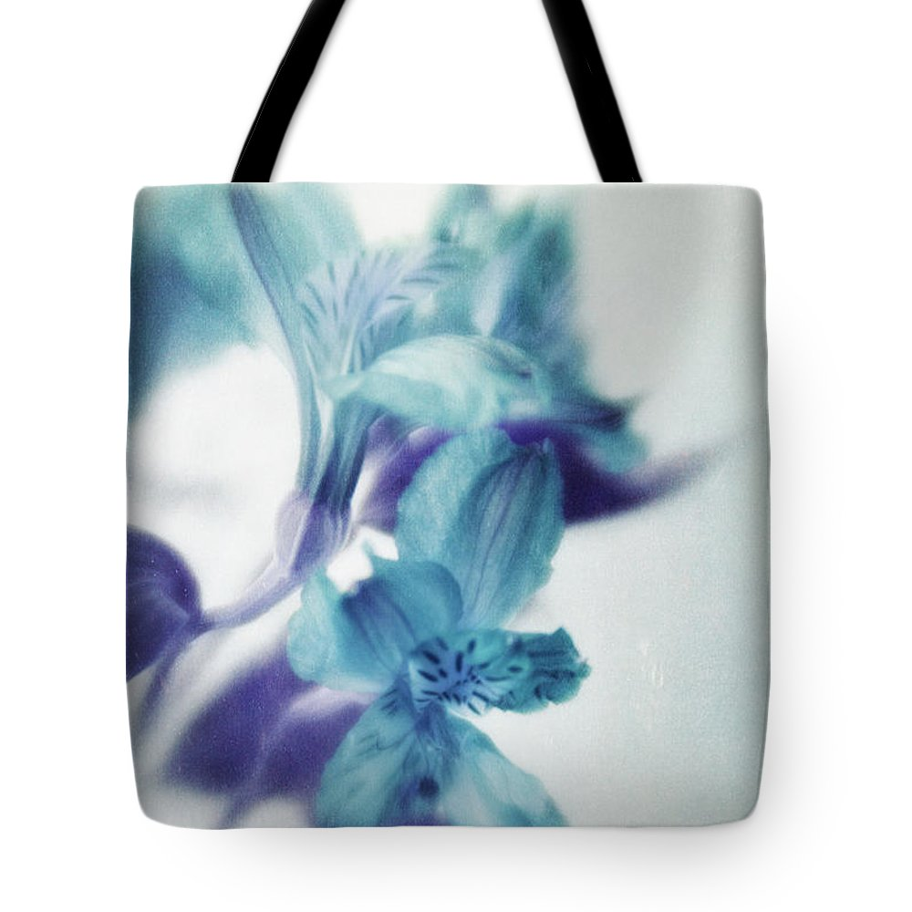 Peruvian Lily Tote Bag featuring the photograph Soft Blues by Priska Wettstein