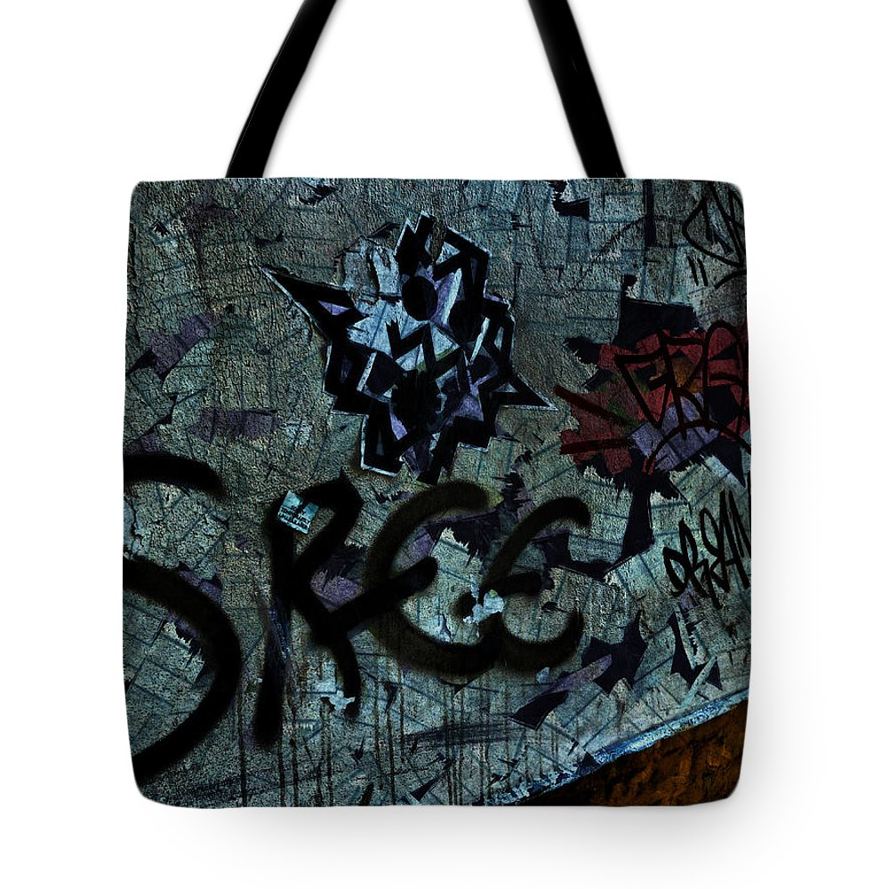 Star Tote Bag featuring the photograph Sorry Temporarily Unavailable by Steve Taylor