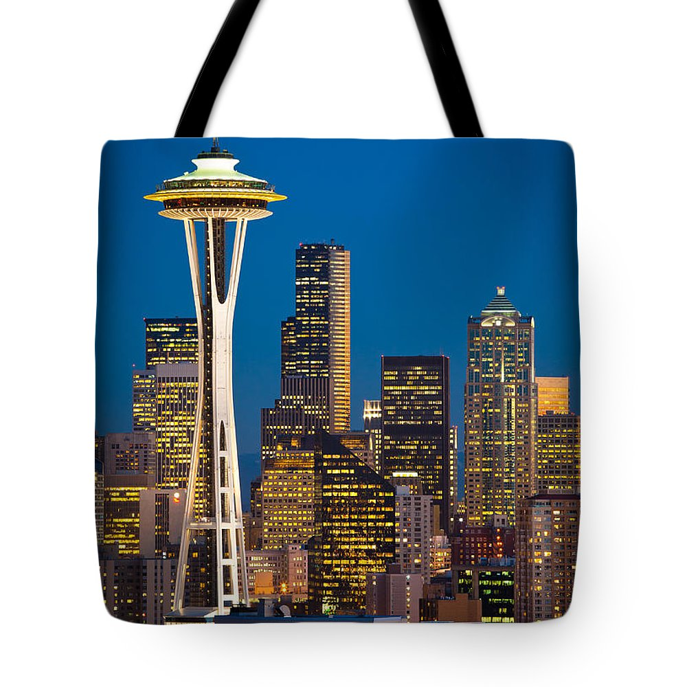 Seattle Tote Bag featuring the photograph Space Needle Evening by Inge Johnsson