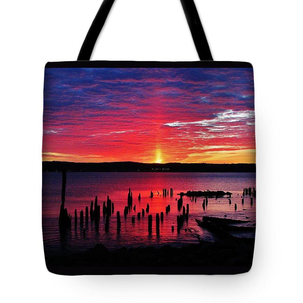 Hudson River Sunrises Tote Bag featuring the photograph Spectacular Hudson Sunrise by Thomas McGuire