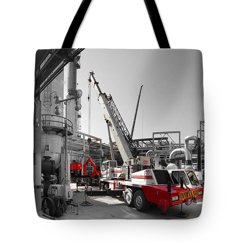 Spindle Tote Bag featuring the photograph Spindle Extraction Bw by Chris Martin