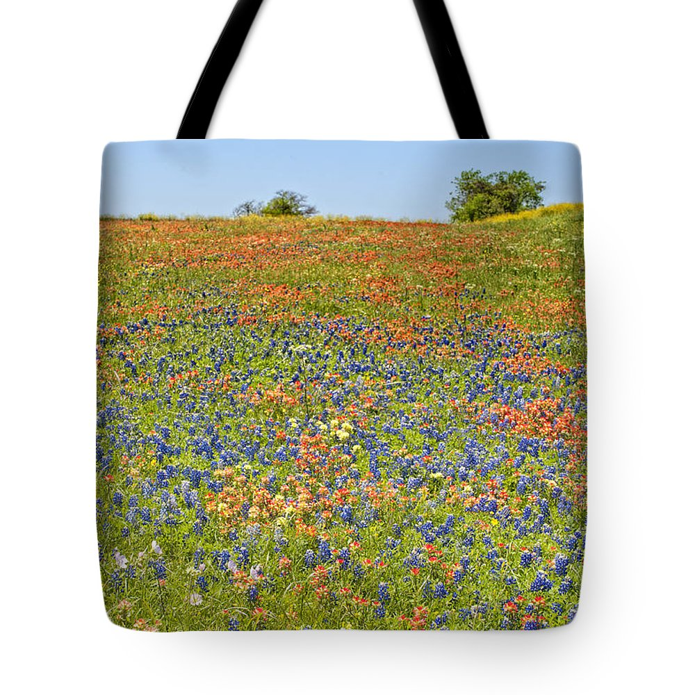 Flowers Tote Bag featuring the photograph Springtime In Texas 5 by Stephen Anderson
