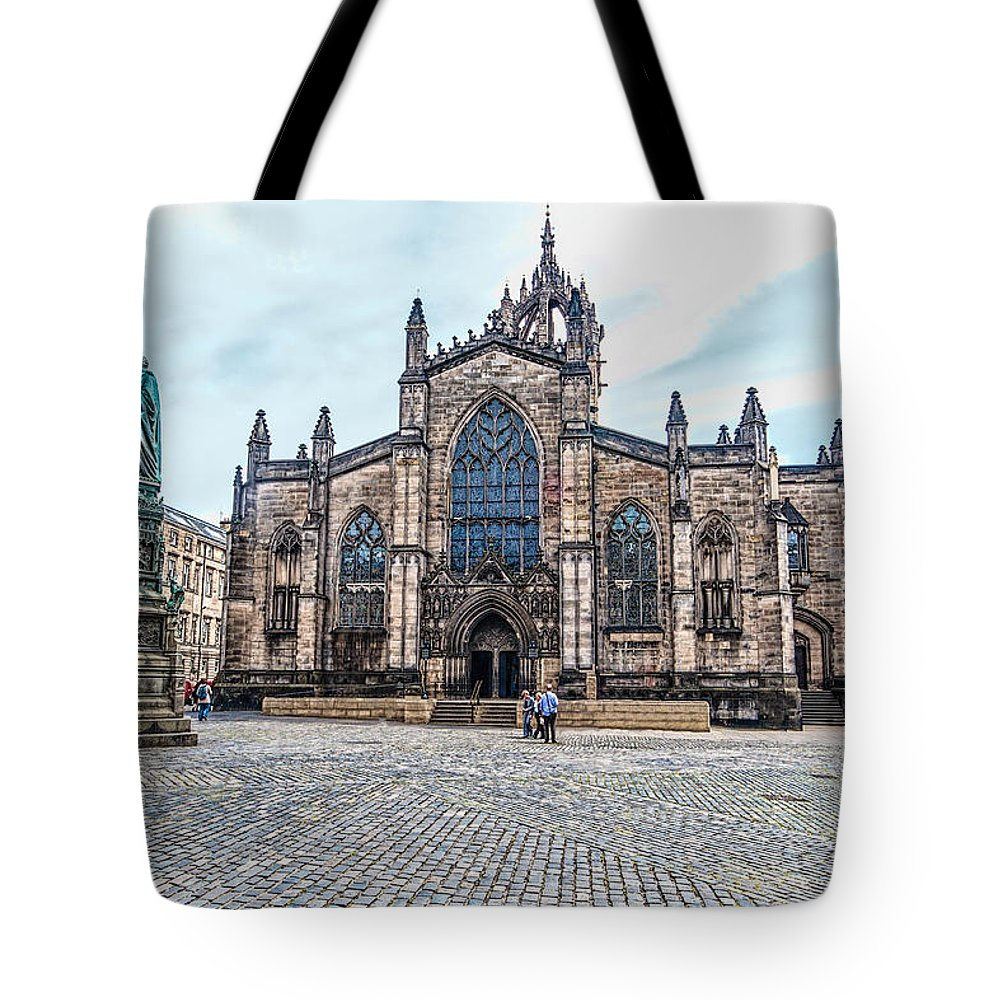 Cathedral Tote Bag featuring the photograph St. Giles Cathedral by Leon Roland