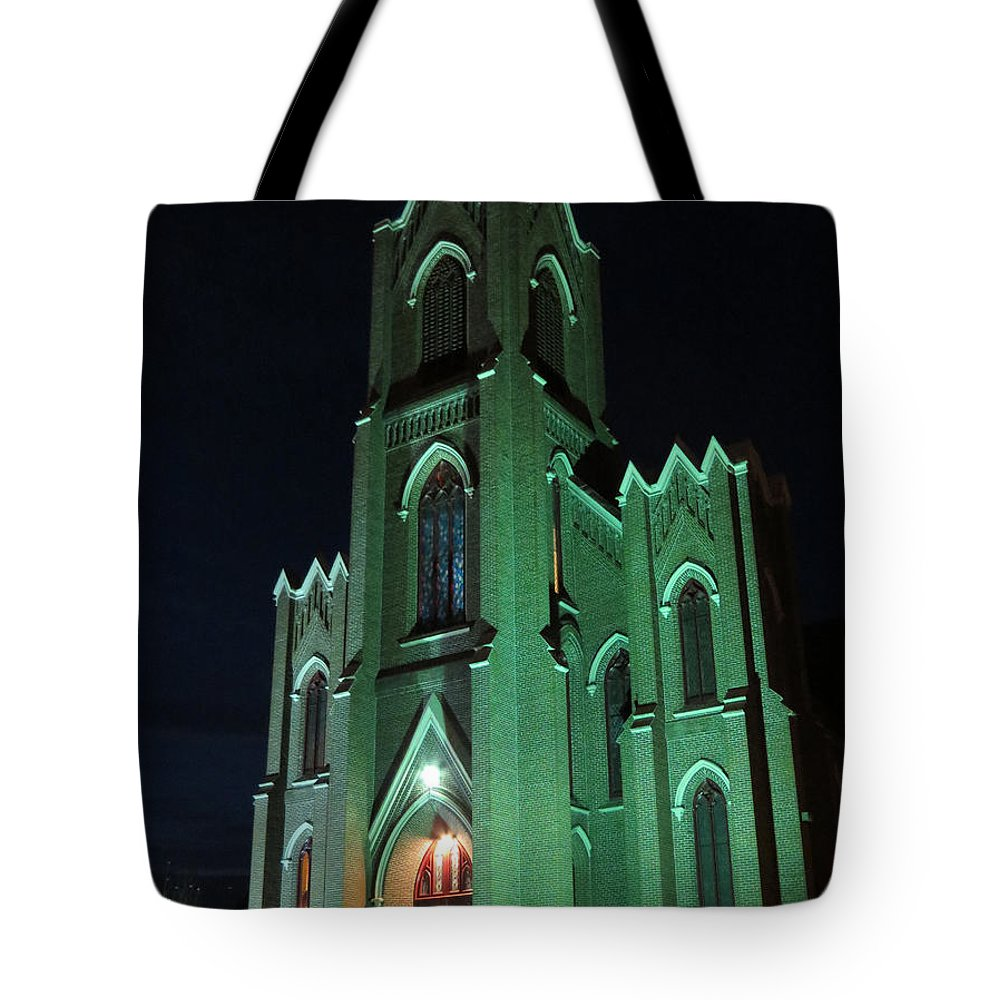 Vancouver Washington Tote Bag featuring the photograph St James Catholic Church In Vancouver Washington by Elizabeth Rose