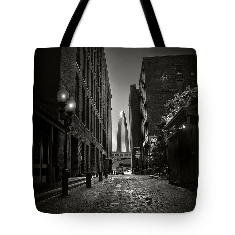 Gateway Arch Tote Bag featuring the photograph St. Louis Arch by Tom Bell