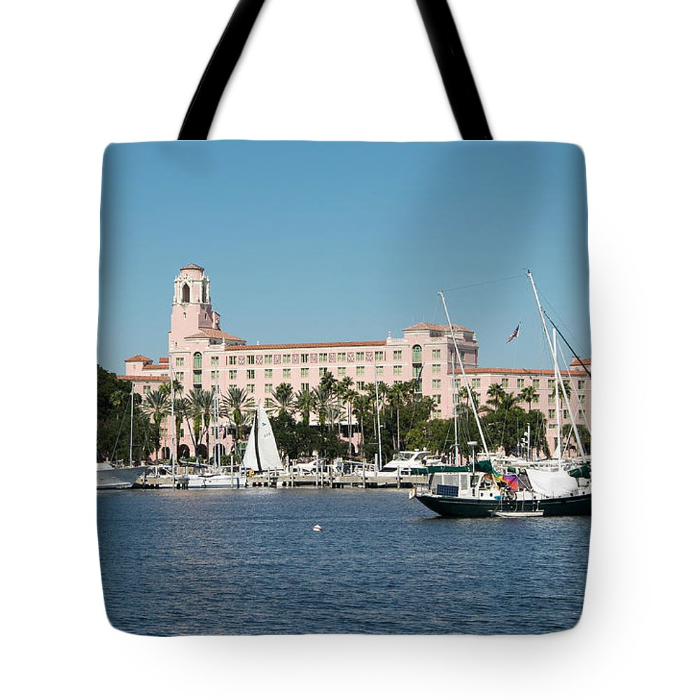 Florida Tote Bag featuring the photograph St. Pete's Vinoy Hotel by Robert VanDerWal