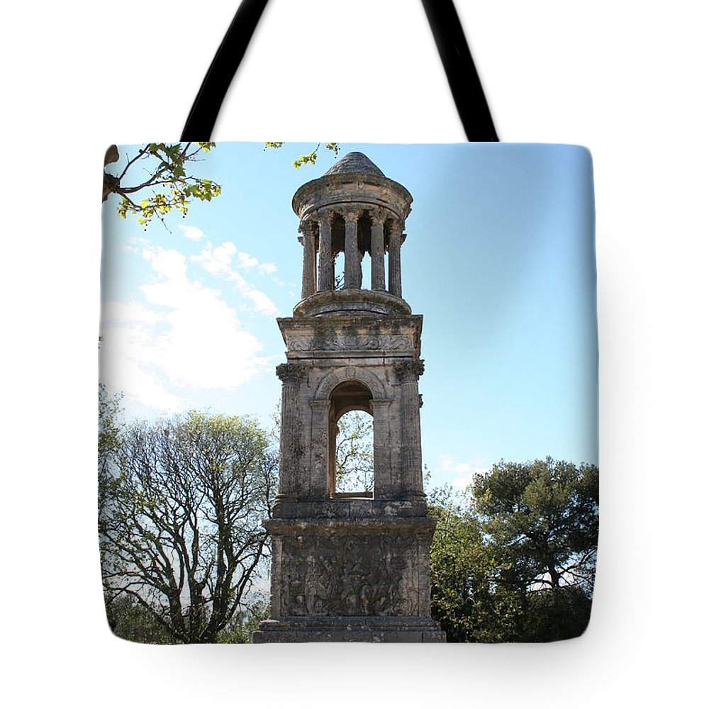 Mausoleum Tote Bag featuring the photograph St. Remy - Mausolee Des Jules by Christiane Schulze Art And Photography
