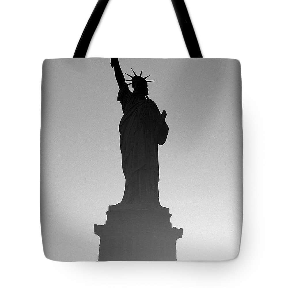 Statue Of Liberty Tote Bag featuring the photograph Statue Of Liberty by Tony Cordoza