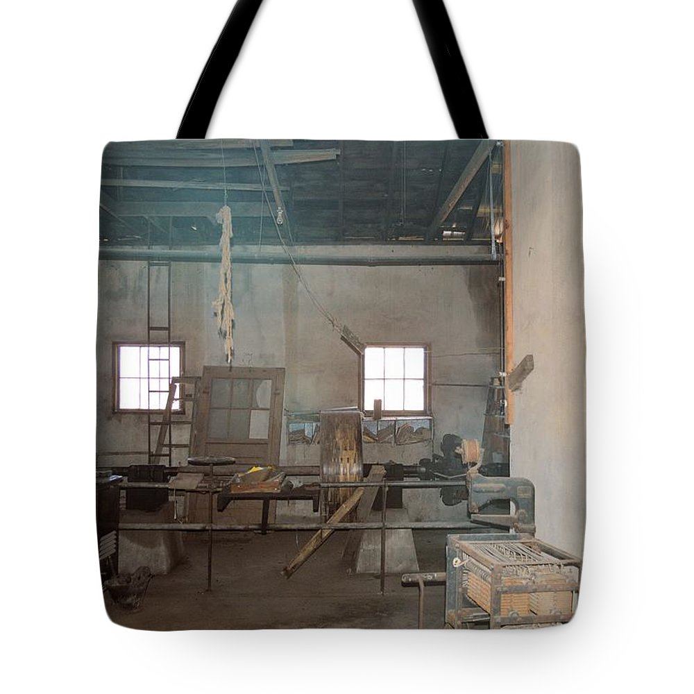 Vintage Tote Bag featuring the photograph Stepping Back by Bonfire Photography
