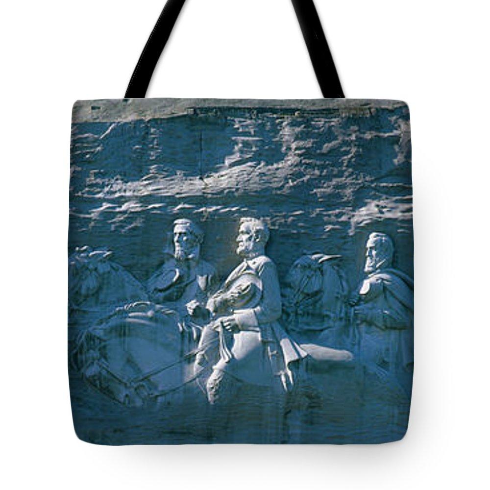 Robert E Lee Tote Bags