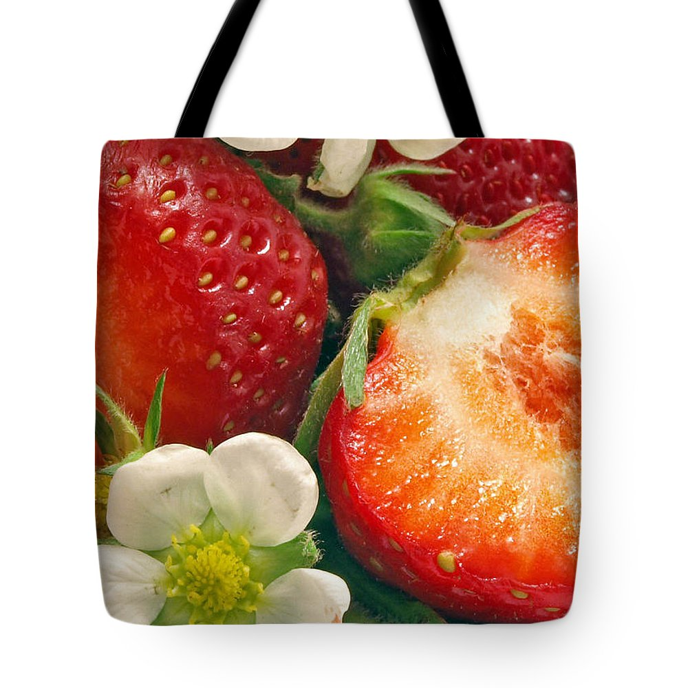 Strawberries Tote Bag featuring the photograph Strawberries And Vanilla by Munir Alawi