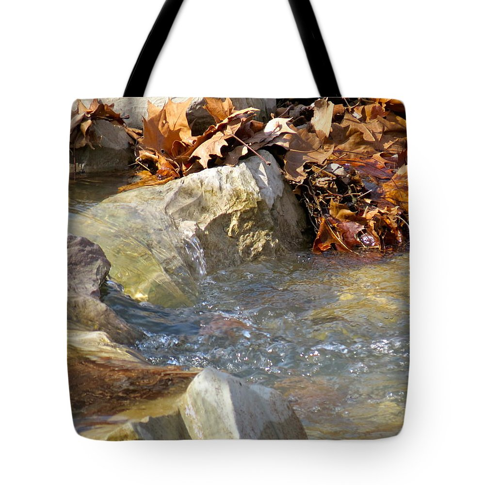 Stream Tote Bag featuring the photograph Streaming by Shelissa Dawn Savage