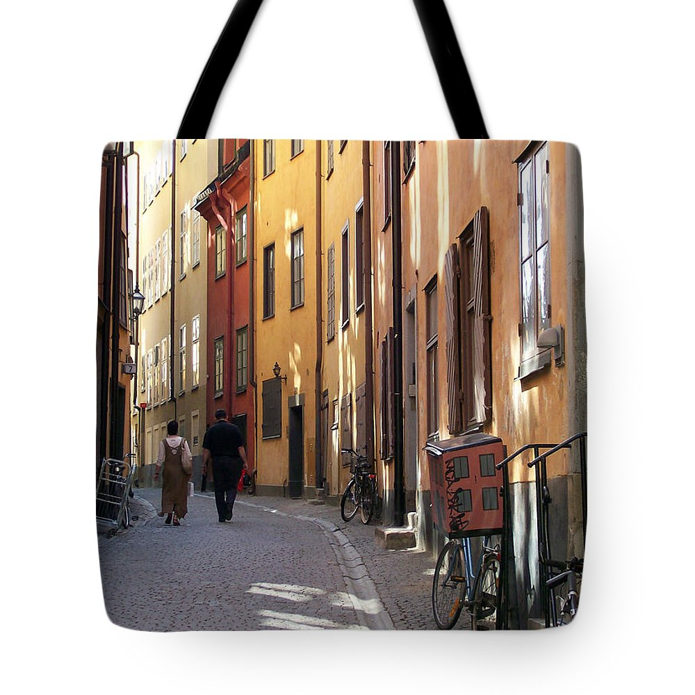 Couple Tote Bag featuring the photograph Summer In The Shade by Antony McAulay