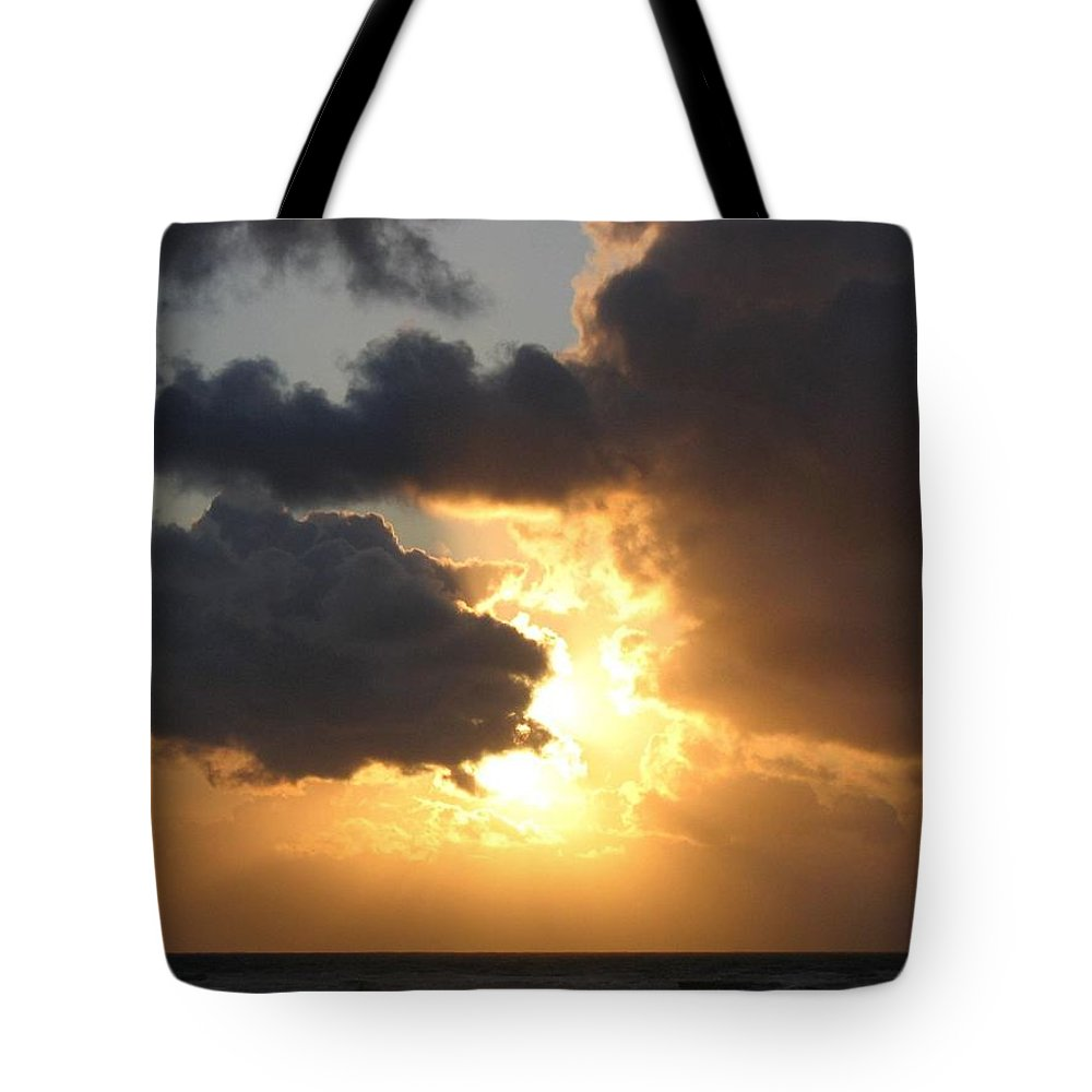 Sundown Supreme Tote Bag featuring the photograph Sundown Supreme by Will Borden